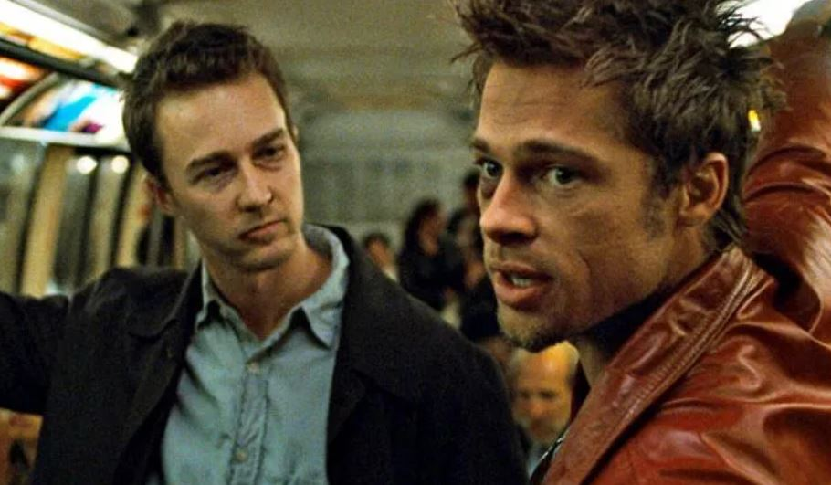 Fight Club 18 - نقد فیلم Fight Club (باشگاه مشت زنی) | تحلیل جامع ⭐️