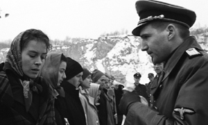 http://www.naghdefarsi.com/images/stories/rooz/naghd/250/4-Pulp-Fiction/2/7-Schindlers-List/7-Schindlers-List/14-Schindlers-List.JPG