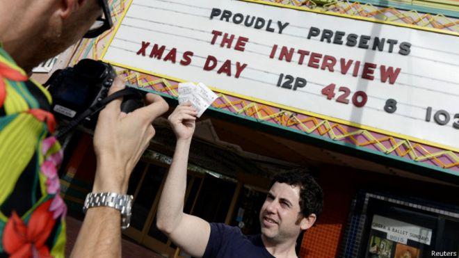 141225050403 sp the interview 624x351 reuters - فیلم جنجالی «مصاحبه» در چند سینمای آمریکا اکران شد