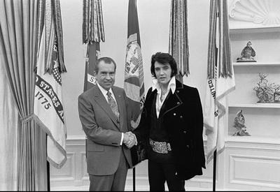 1415352992786 800px Elvis nixon - «کوین اسپیسی» و «مایکل شانون» در نقش های «ریچارد نیکسون» و «الویس پریسلی»