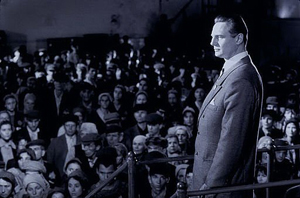 http://www.naghdefarsi.com/images/stories/rooz/naghd/250/4-Pulp-Fiction/2/7-Schindlers-List/7-Schindlers-List/16-Schindlers-List.jpg