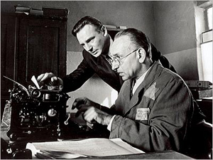 http://www.naghdefarsi.com/images/stories/rooz/naghd/250/4-Pulp-Fiction/2/7-Schindlers-List/7-Schindlers-List/2-Schindlers-List.jpg