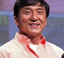 Jackie Chan by Gage Skidmore 220x200 - حقایقی درباره جکی چان