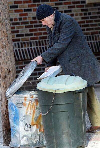 15 9 8 1424394 - حضور ستاره هالیوود در نقش یک بی خانمان در خیابانهای نیویورک