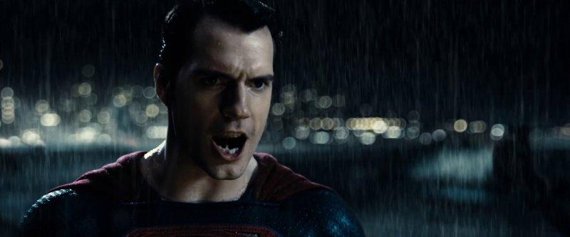Superman could kill Batman but doesnt - 12 نکتهای که تا الان دربارهی فیلم «بتمن علیه سوپرمن» می دانیم