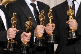 1449392374454 100 - فهرستی از هنرمندان اعطا کننده جوایز اسکار منتشر شد