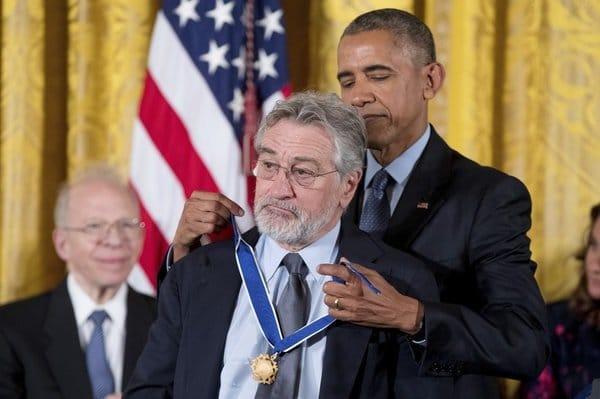 2283213 - اهدای بالاترین مدال افتخار آمریکا به چهرههای برجسته این کشور توسط اوباما