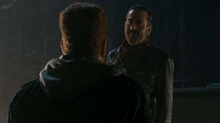 23f7de84 d4a5 490c 8d2f ad6883a6afc3 - ۱۰ سوالی که بعد از قسمت اول فصل هفتم The Walking Dead میپرسیم