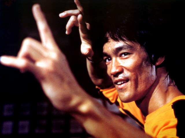 http://cinemodern.ir/wp-content/uploads/2017/07/bruce-lee-game-of-death-wallpaper-2640x480.jpg