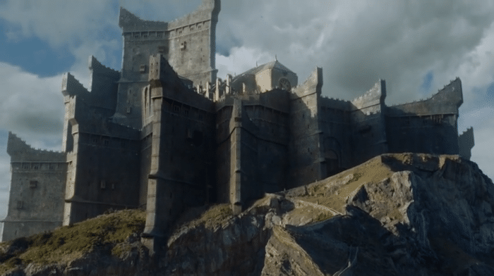 http://cinemodern.ir/wp-content/uploads/2017/08/599613a49baa7_Dragonstone-season7-low-w700.png