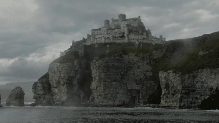 Casterly rock w700 - با سرزمینها و قلمروهای «بازی تاج و تخت» بیشتر آشنا شوید