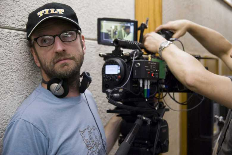 Soderbergh directing The Informant - فیلمهایی که کارگردانهای مشهور نساختند؛ بخش دوم: لینچ، اسکورسیزی، فینچر و دیگران