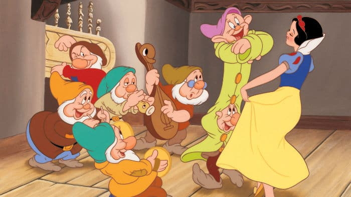 https://cinemodern.ir/wp-content/uploads/2017/11/Snow-White-And-The-Seven-Dwarfs-DI-13-w700.jpg