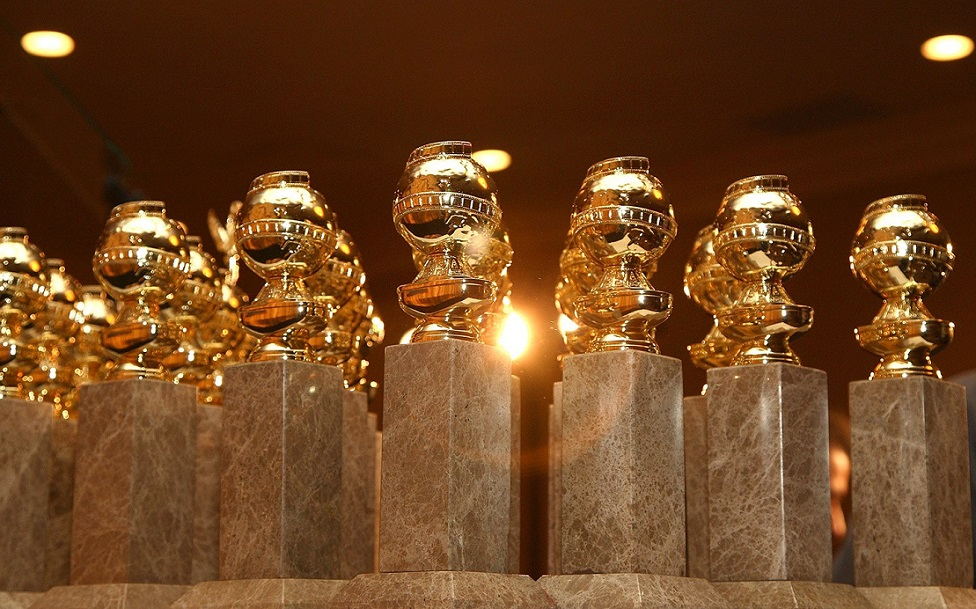 http://www.naghdefarsi.com/media/kunena/attachments/8299/golden-globes-statues.jpg