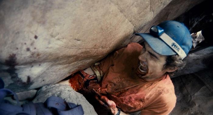 2010 127 Hours 07 w700 - ۱۲ فیلم استرس زا و دردناکی که از تماشای آن ها لذت خواهید برد (قسمت اول)