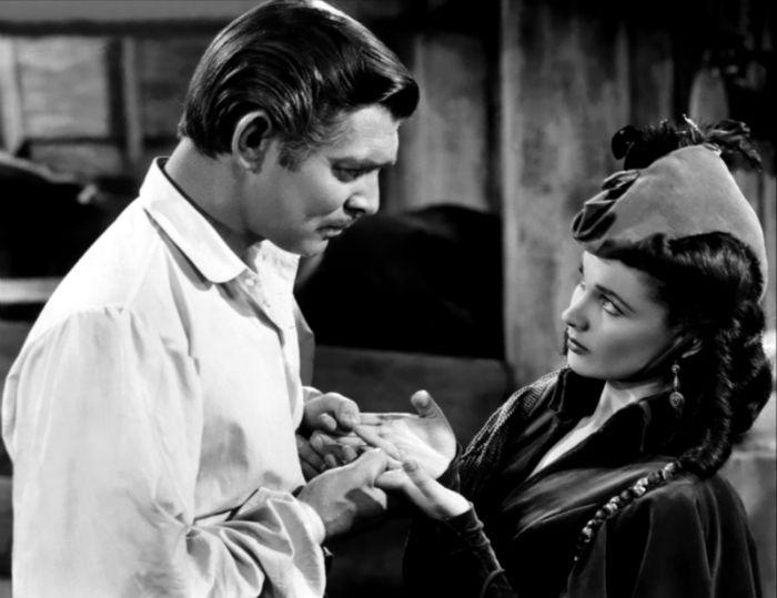 Annex Gable Clark Gone With the Wind 04 w700 - 15 فیلم حماسی برتر و دیدنی تاریخ سینما که باید حتماً ببینید (قسمت دوم)
