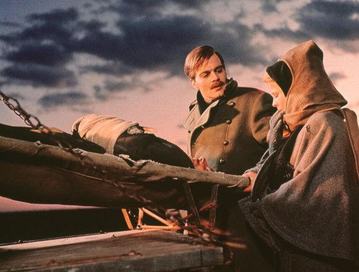 Doctor Zhivago movie image 1 w700 - 15 فیلم حماسی برتر و دیدنی تاریخ سینما که باید حتماً ببینید (قسمت اول)