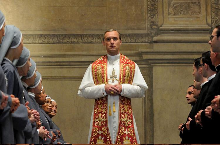 1bdef086 3e60 49b0 9d0d 509b1905e604 - نقد سریال The Young Pope (پاپ جوان)