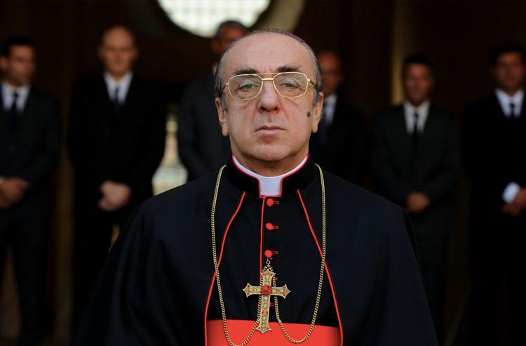 7775ad34 68df 48d0 92c0 8a40de099c31 - نقد سریال The Young Pope (پاپ جوان)