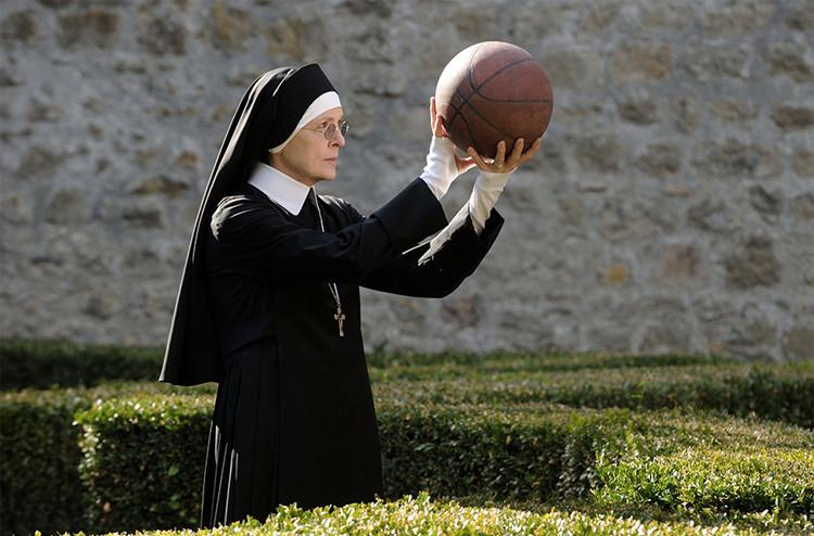 fe0c76ff 2a24 47af b806 ddaaa7ae6462 - نقد سریال The Young Pope (پاپ جوان)