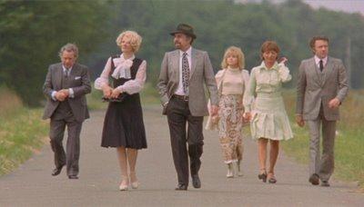 Discreet Charm of the Bourgeoisie - نقد فیلم The Discreet Charm of the Bourgeoisie (جذابیت پنهان بورژوازی)