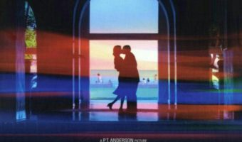 photo ۲۰۱۸ ۰۲ ۰۷ ۰۲ ۳۸ ۵۸ 340x200 - نقد فیلم Punch-Drunk Love محصول 2002