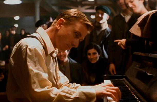 La leggenda del pianista sulloceano07 - نقد فیلم The Legend of 1900 (افسانه 1900) ⭐️