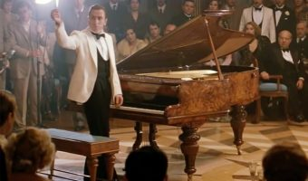 the piano duel in the legend of 1900 340x200 - نقد فیلم The Legend of 1900 (افسانه 1900) ⭐️