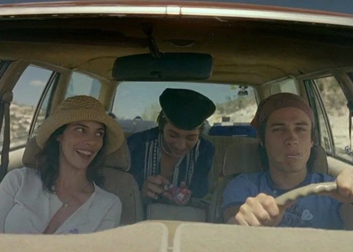 16 y tu mama 700x500 - بهترین فیلم های عاشقانه تاریخ سینما | 50 فیلم برتر