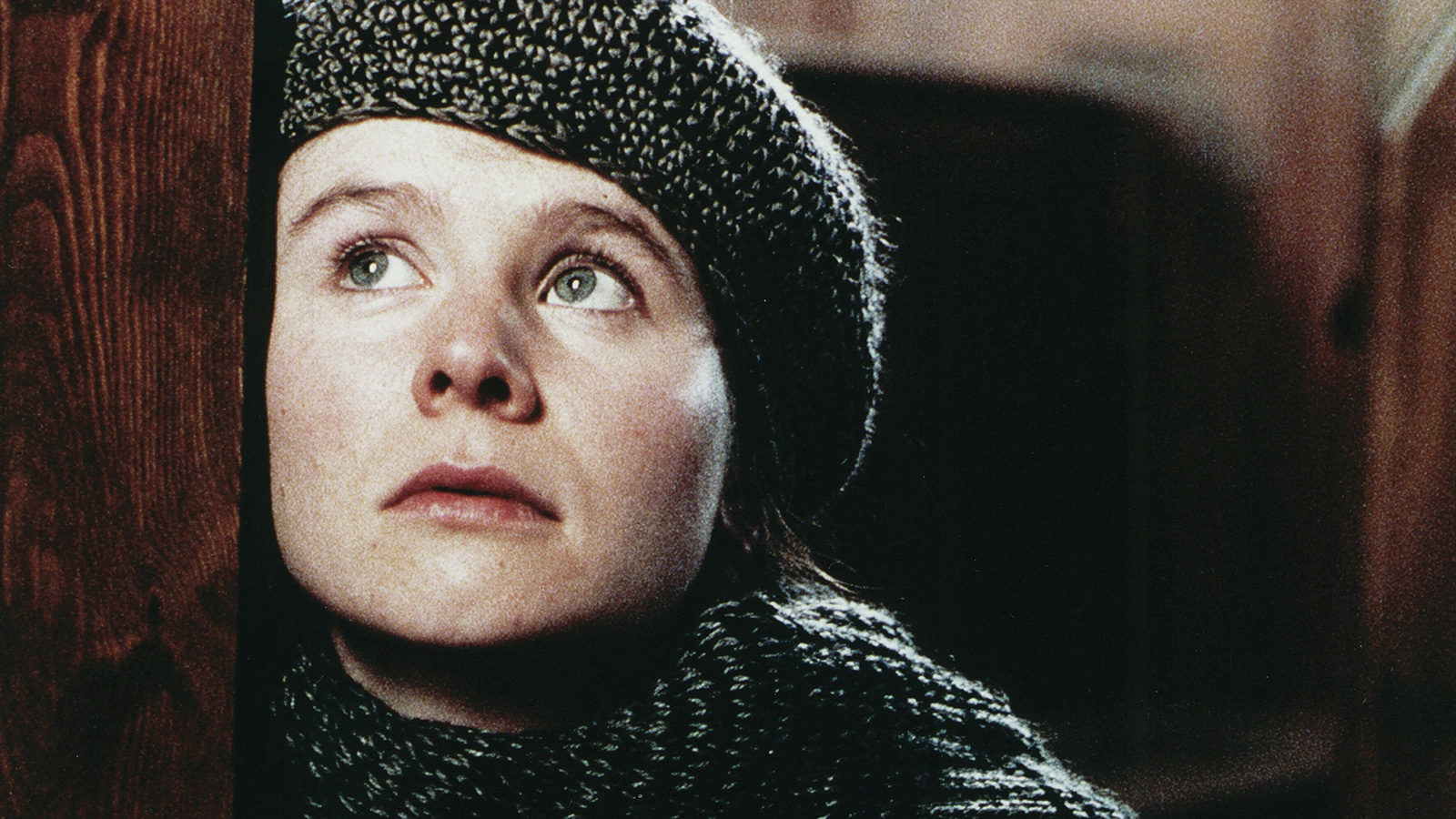 Breaking the Waves 1600x900 c default - نقد فیلم Breaking the Waves محصول 1996 (شکستن امواج)
