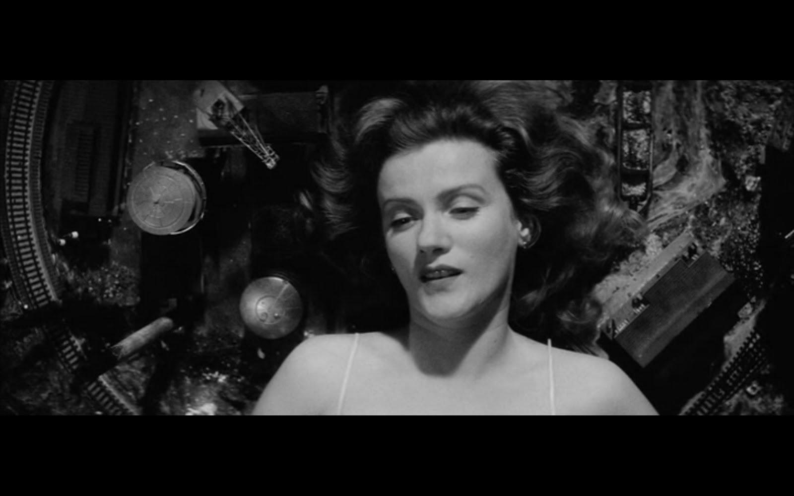 europa table1 - نقد فیلم Europa محصول 1991 (اروپا)