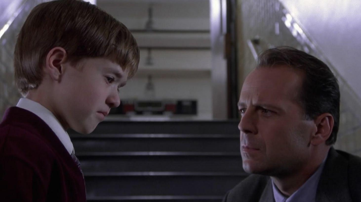 The Sixth Sense 1 - نقد فیلم The Sixth Sense (حس ششم)