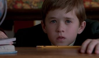The Sixth Sense 2 1 340x200 - نقد فیلم The Sixth Sense (حس ششم)